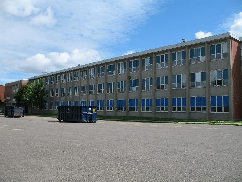 École Secondaire Laval